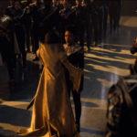 Star Trek Discovery S01E12 Vaulting Ambition - Burnham recebe cumprimentros no salão imperial
