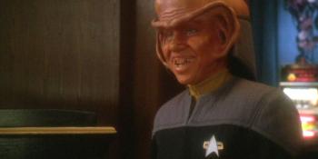 Aron Eisenberg como Nog em Deep Space Nine