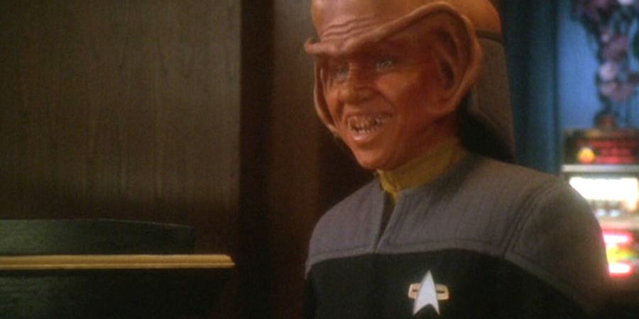 Aron Eisenberg como Nog em Deep Space Nine